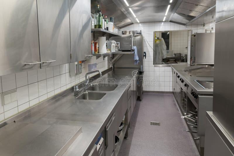 Mening van het industriële keukenmateriaal royalty-vrije stock foto's