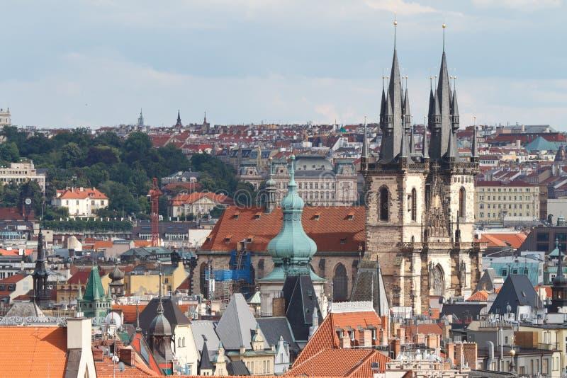 Mening van het Kasteel en St Vitus Church van Praag praag stock foto