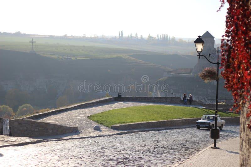 Mening van het kasteel op de stad stock afbeelding