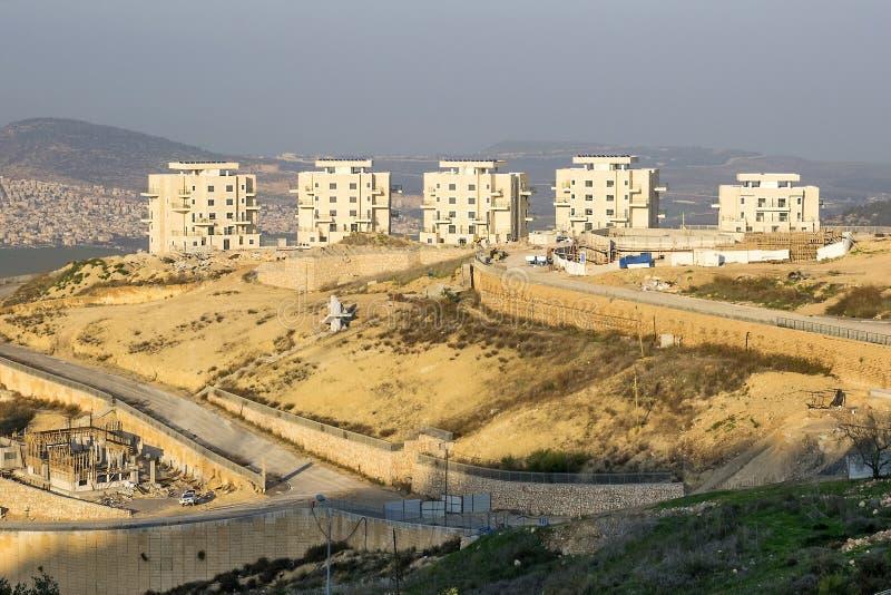 Mening van het nieuwe district in de stad van Nazareth Illit, Israël stock afbeelding