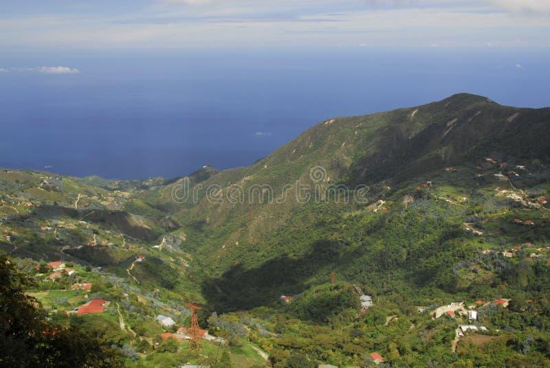 Mening van het overzees van Onderstel Avila, Caracas stock fotografie