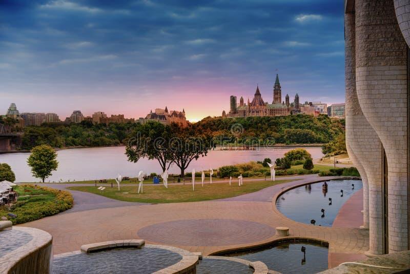 Mening van het Parlement van Ottawa stock afbeelding