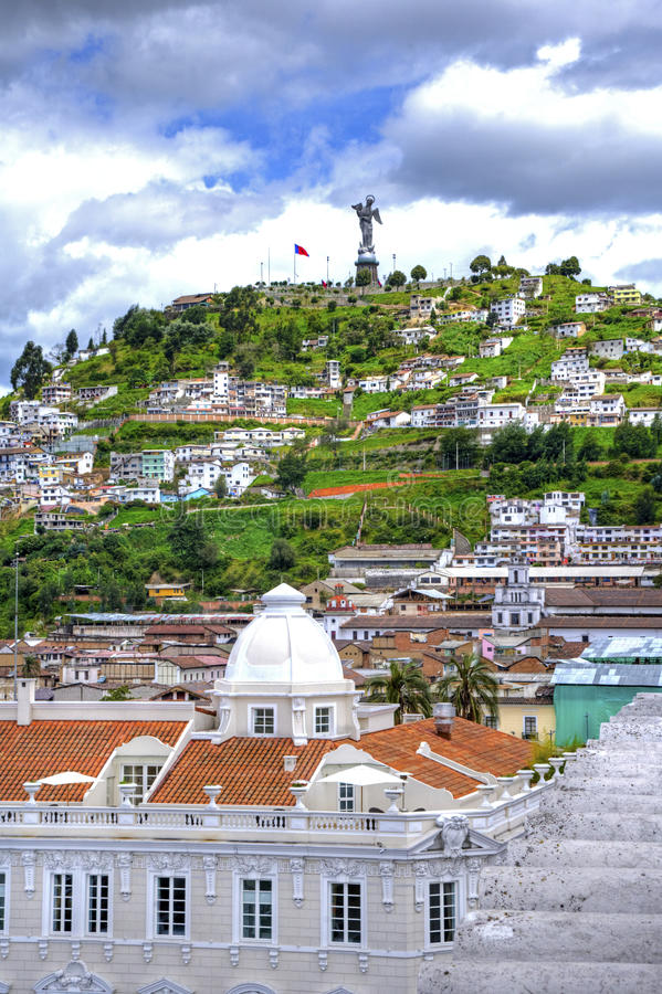 Mening van het Quito van de binnenstad royalty-vrije stock foto's