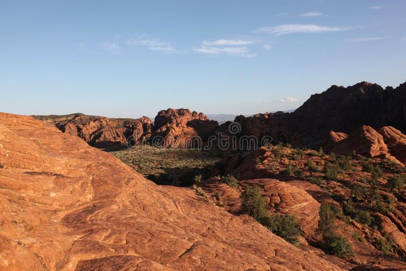 Mening van het rode woestijnlandschap van het Park van de Staat van de Sneeuwcanion stock fotografie