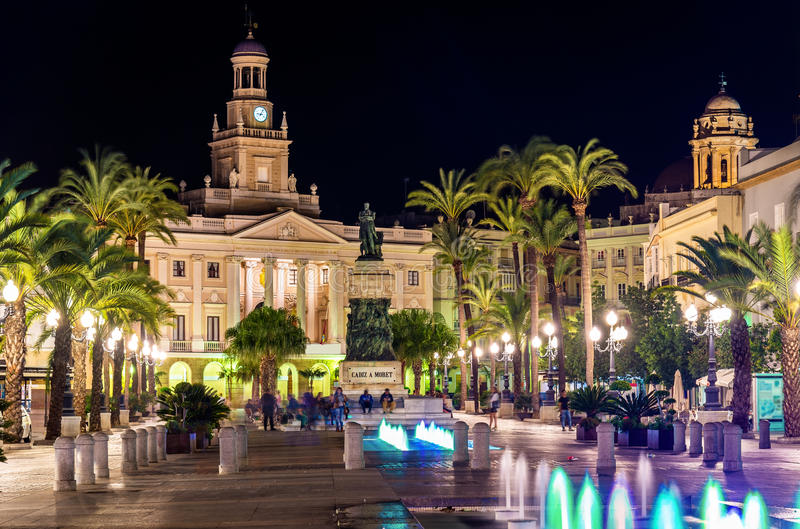 Mening van het stadhuis in Cadiz, Spanje royalty-vrije stock afbeeldingen