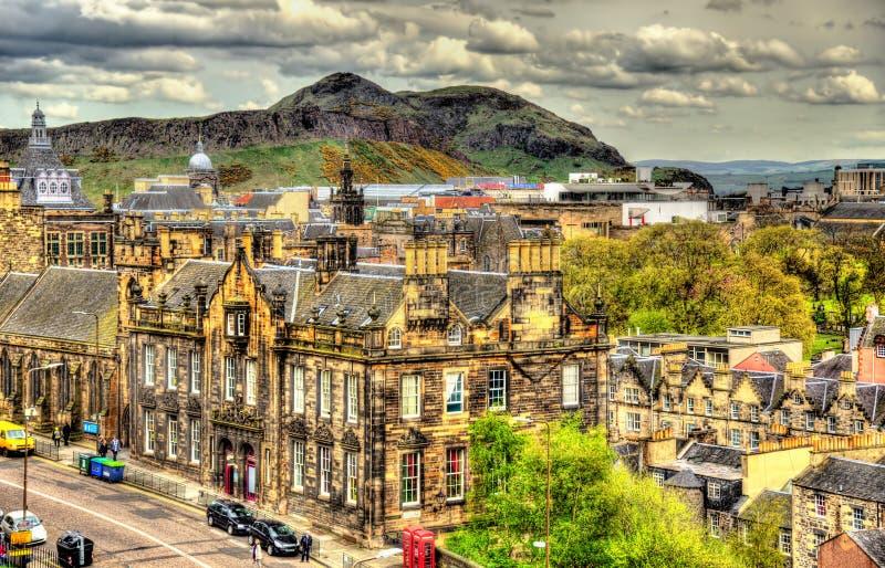 Mening van het stadscentrum van Edinburgh stock foto