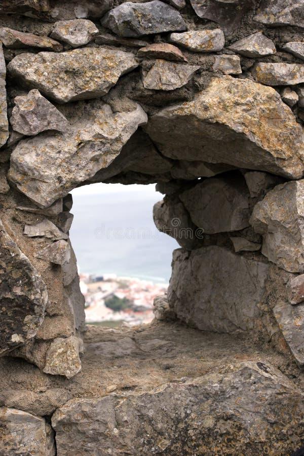 Mening van het venster van een Kasteel royalty-vrije stock foto's
