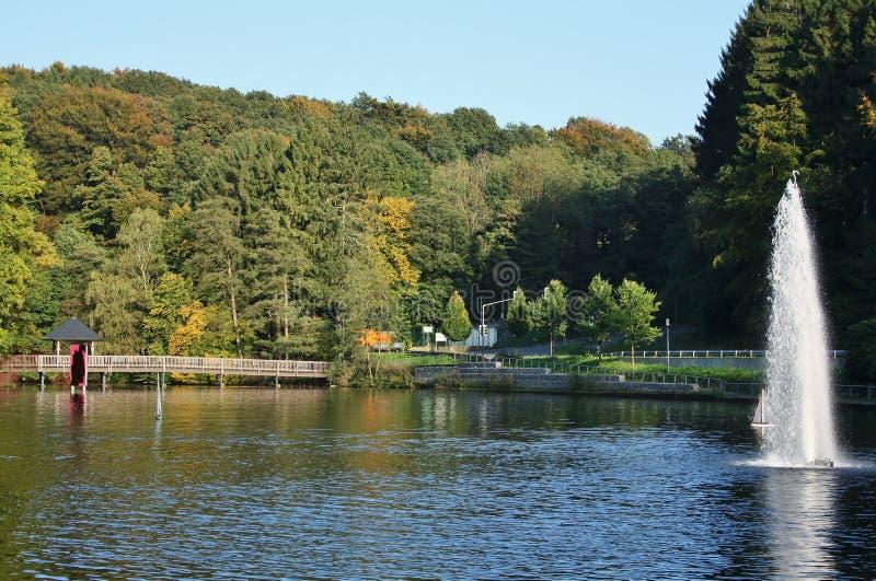 Mening van het vroeger openluchtbad Uelfebad in Radevormwald, Duitsland stock afbeelding