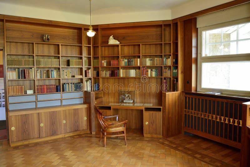 Mening van het werkruimte bij de historische bouw van Haus Hohe Pappeln in Weimar royalty-vrije stock foto