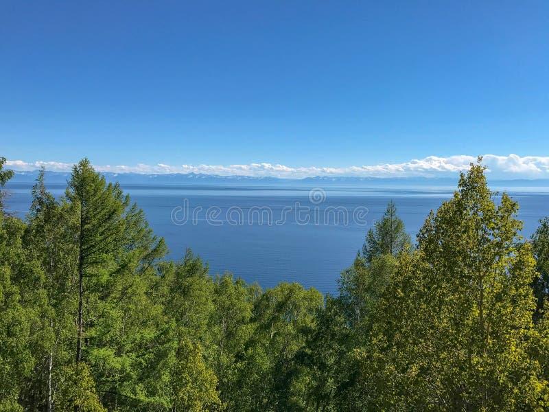 Mening van hierboven over Meer Baikal Rusland royalty-vrije stock foto