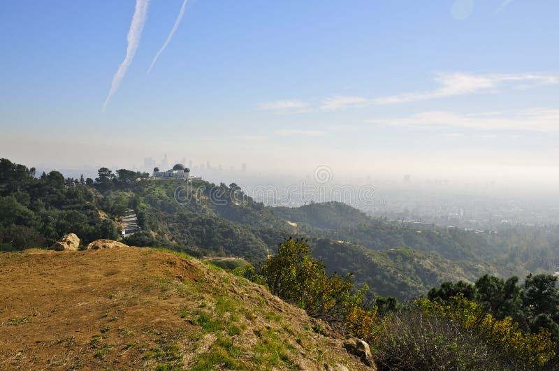 Mening van Hollywood-Heuvels naar Griffith Observatory stock fotografie