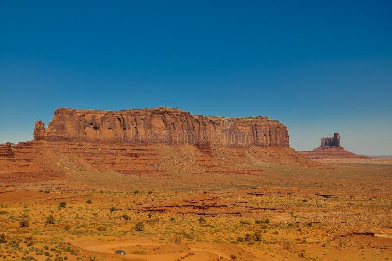 Mening van iconische Monumentenvallei in Arizona stock foto's