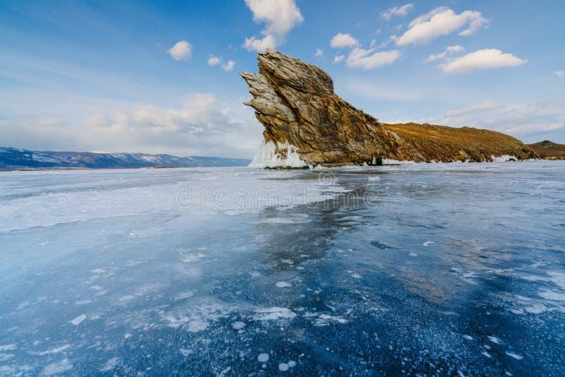 Mening van ijsmeer op Ogoy-eiland Baikal Siberië stock afbeelding