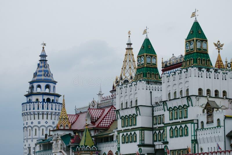 Mening van Izmailovsky het Kremlin in Moskou, Rusland stock afbeeldingen