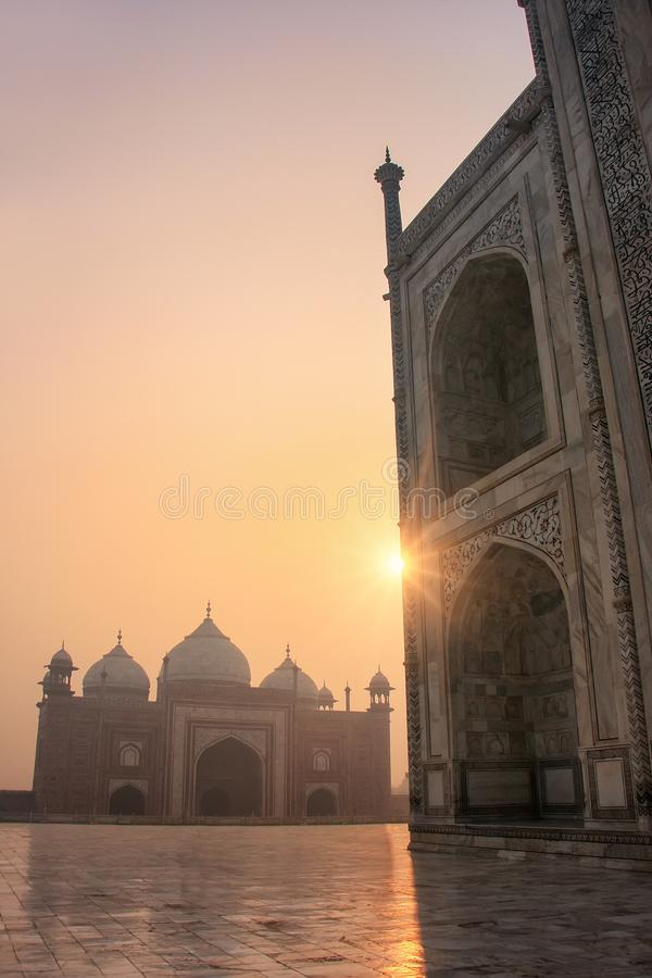 Mening van jawab van Taj Mahal-basis bij zonsopgang, Agra, Uttar Pradesh, India stock fotografie