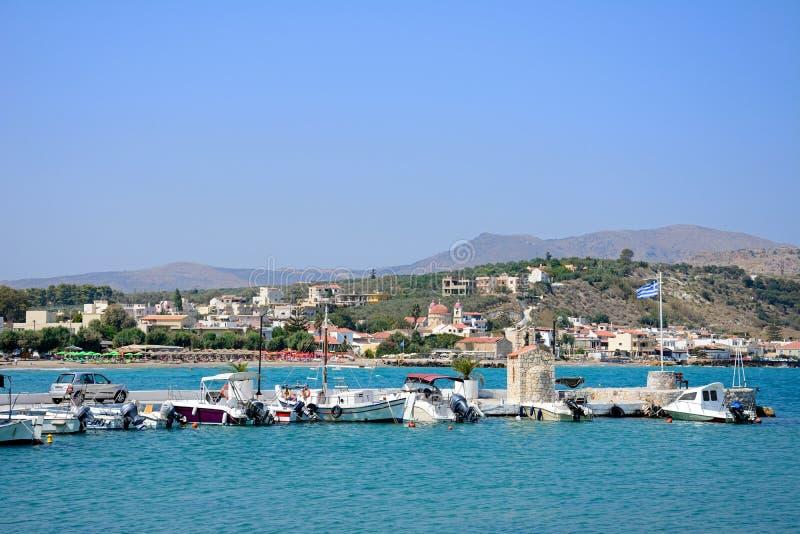 Mening van Kalyves-haven, Kreta stock afbeelding