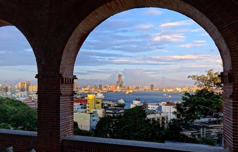 Mening van Kaohsiung-Stad in Zonsondergangtijd royalty-vrije stock fotografie