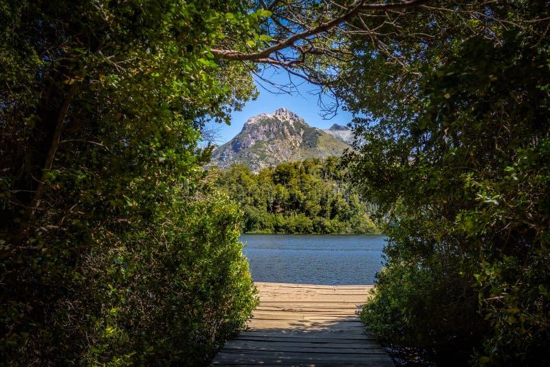 Mening van Lago Escondido in Circuito Chico - Bariloche, Patagonië, Argentinië royalty-vrije stock afbeelding