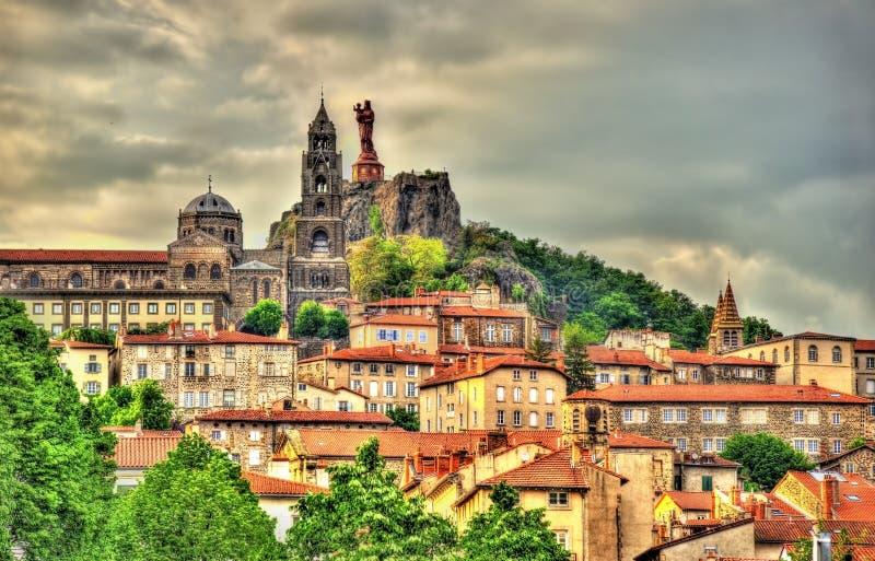 Mening van Le Puy-en-Velay, een stad in Haute-Loire stock foto's