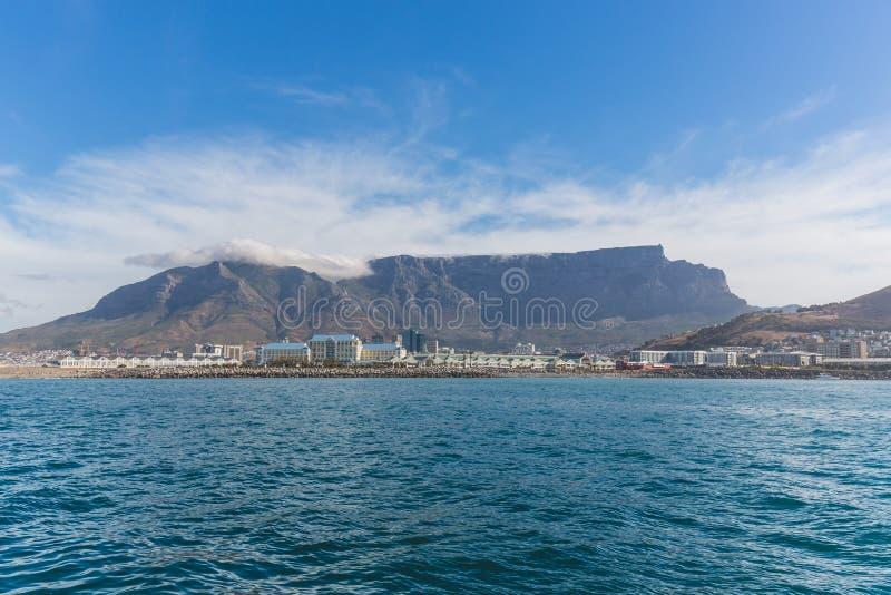 Mening van Lijstberg in Cape Town van de oceaan royalty-vrije stock fotografie