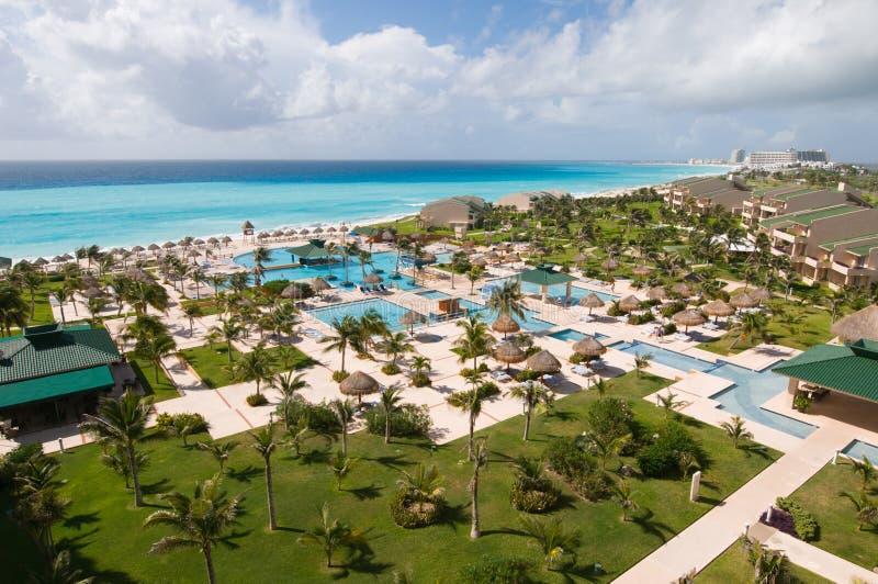 Mening van luxe tropische toevlucht royalty-vrije stock foto