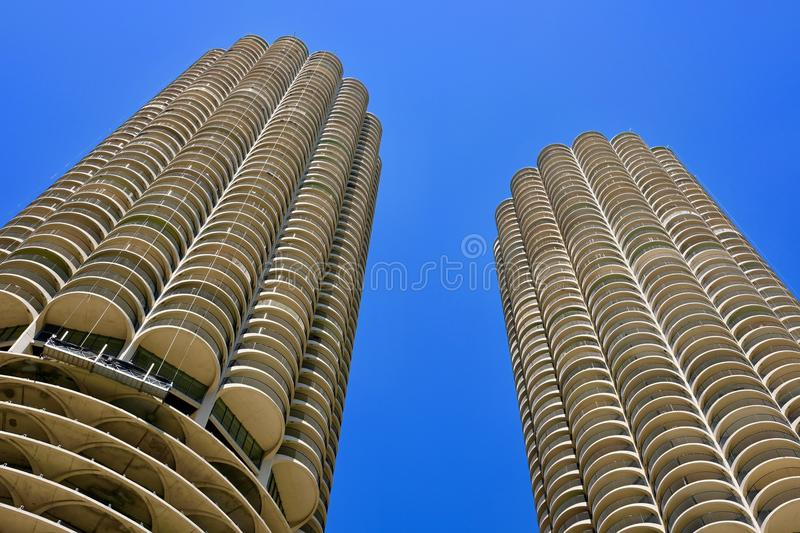 Mening van Marina City Corncob Towers, Chicago van onderaan stock foto
