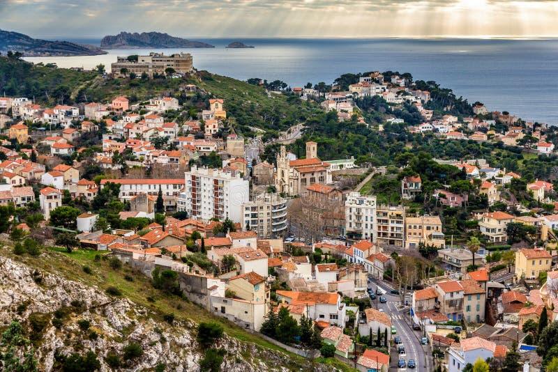 Mening van Marseille en de Middellandse Zee stock afbeelding