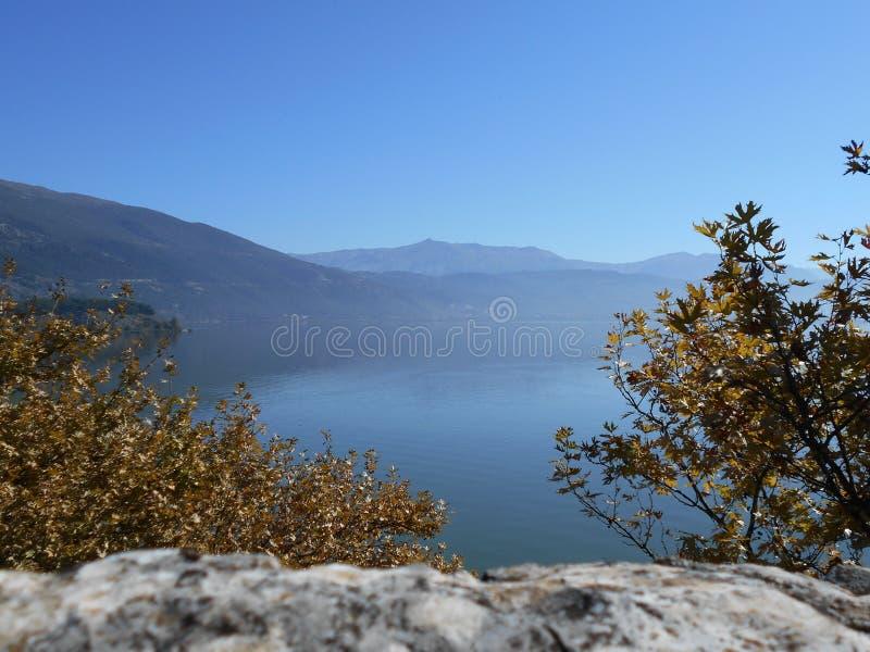 Mening van Meer, Ioannina, Griekenland royalty-vrije stock afbeeldingen