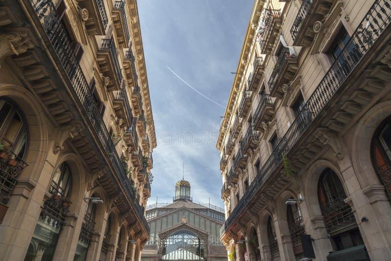 Mening van Mercat del Born, markt, culturele ruimte, tussen gebouwen, Barcelona royalty-vrije stock fotografie
