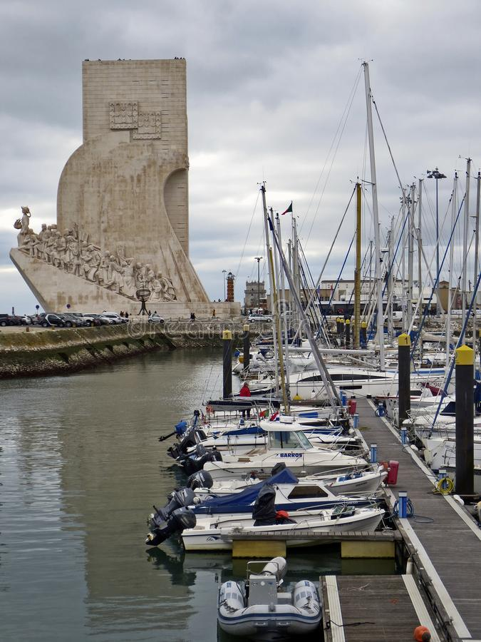 Mening van Monument aan de Ontdekkingen in Lissabon royalty-vrije stock foto's