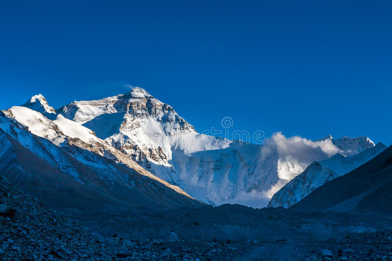 Mening van Mt. Chomolangma-middag stock foto's