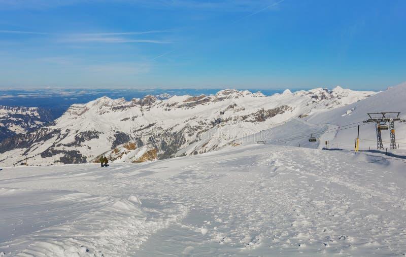 Mening van Mt Titlis in Zwitserland in de winter royalty-vrije stock afbeelding