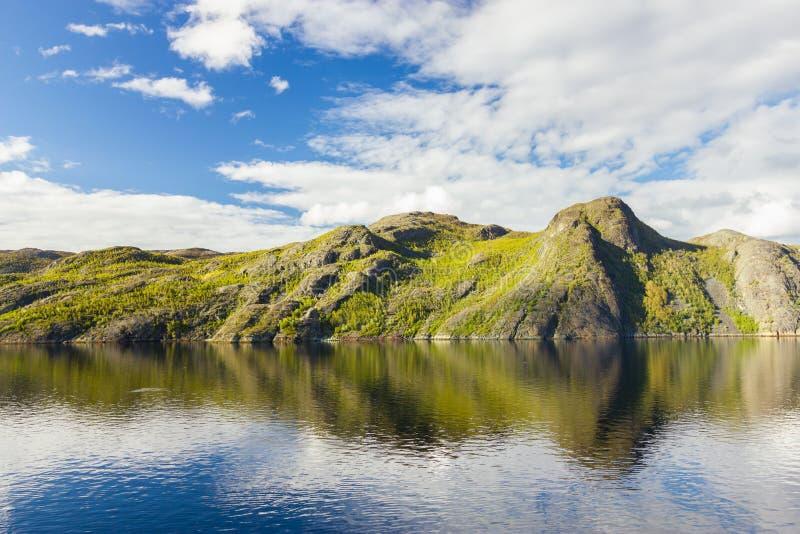Mening van noordelijk Noorwegen dichtbij Alta royalty-vrije stock fotografie