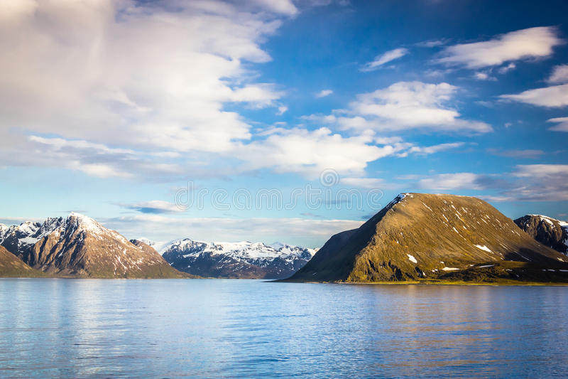 Mening van noordelijk Noorwegen dichtbij Alta stock fotografie