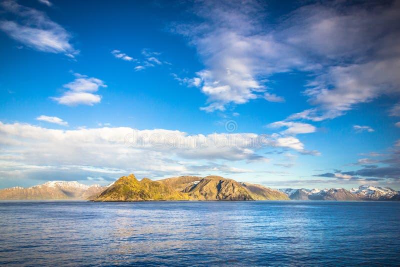 Mening van noordelijk Noorwegen dichtbij Alta royalty-vrije stock afbeelding