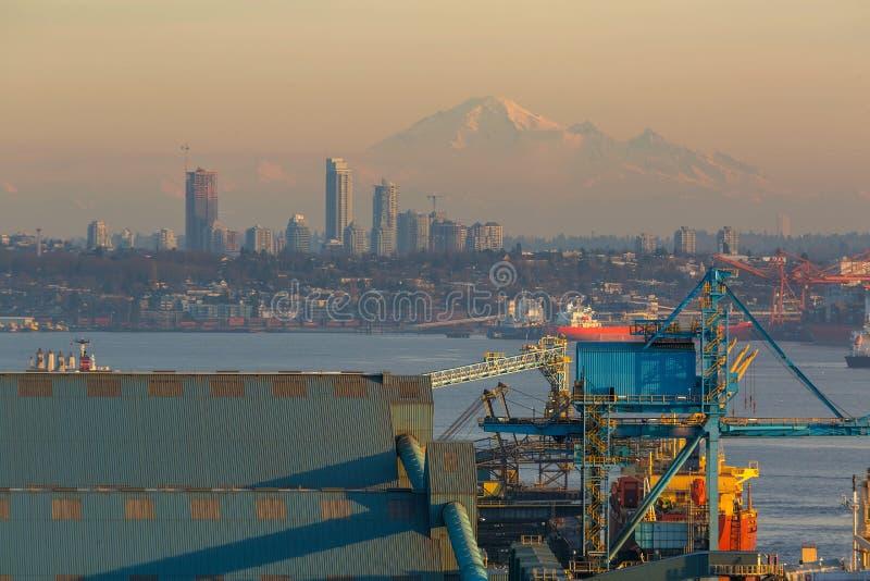 Mening van Onderstel Baker en Vancouver BC Canada bij Zonsondergang stock foto's