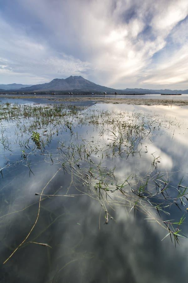 Mening van onderstel Batur van aka Danau Batur van meerbatur royalty-vrije stock afbeeldingen