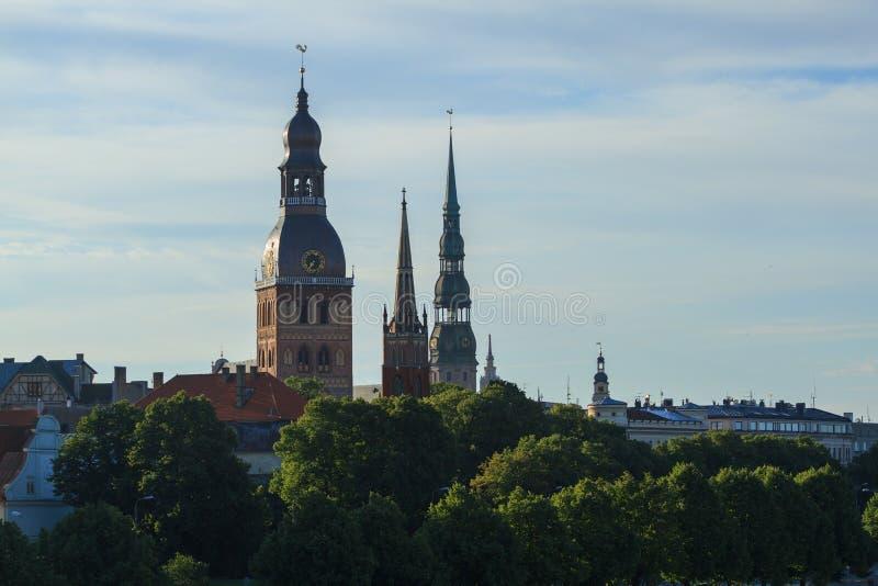 Mening van oud Riga Letland in de ochtend stock foto
