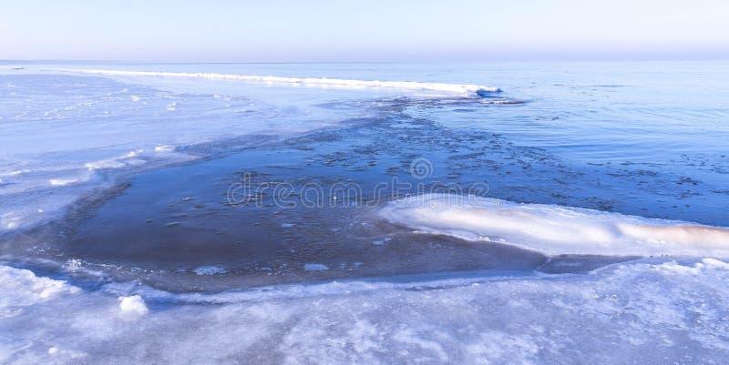 Mening van overzees in de winter stock foto