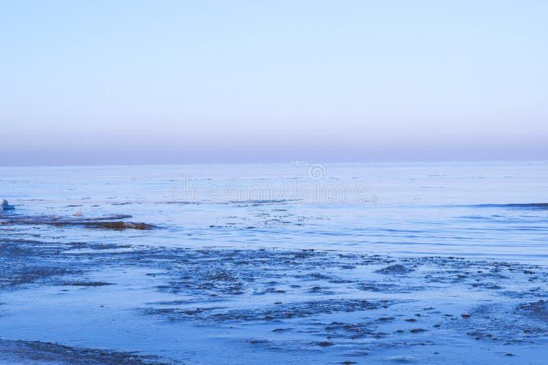Mening van overzees in de winter stock afbeeldingen