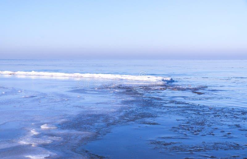 Mening van overzees in de winter royalty-vrije stock foto