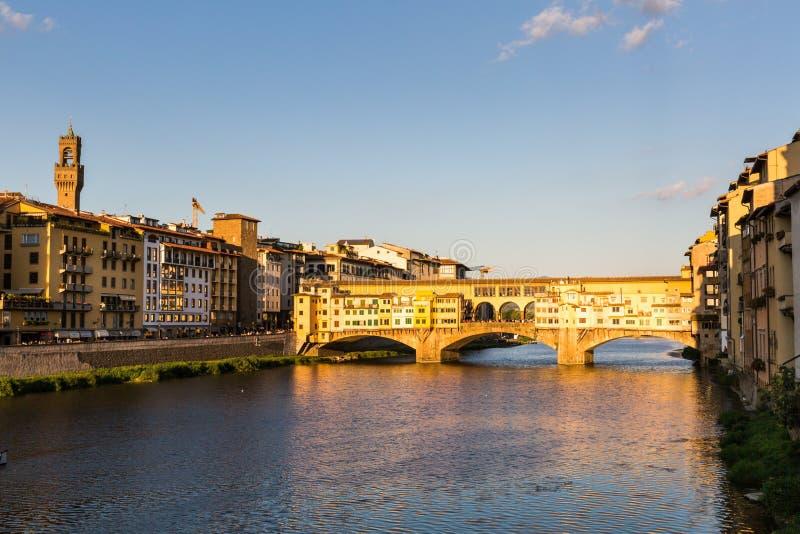 Mening van Ponte Vecchio in Florence, Italië stock afbeeldingen