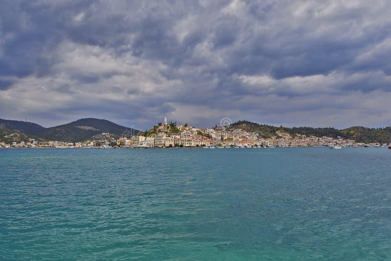 Mening van Poros-eiland, Griekenland royalty-vrije stock fotografie