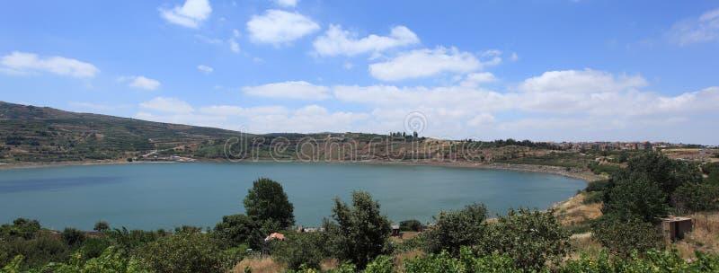 Mening van Ram Pool in de Golan, Israël stock foto's