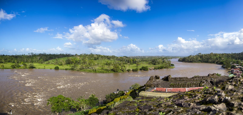 Mening van Rio San Juan, van de oude Spaanse Vesting, Dorp van El Castillo, Rio San Juan, Nicaragua royalty-vrije stock foto