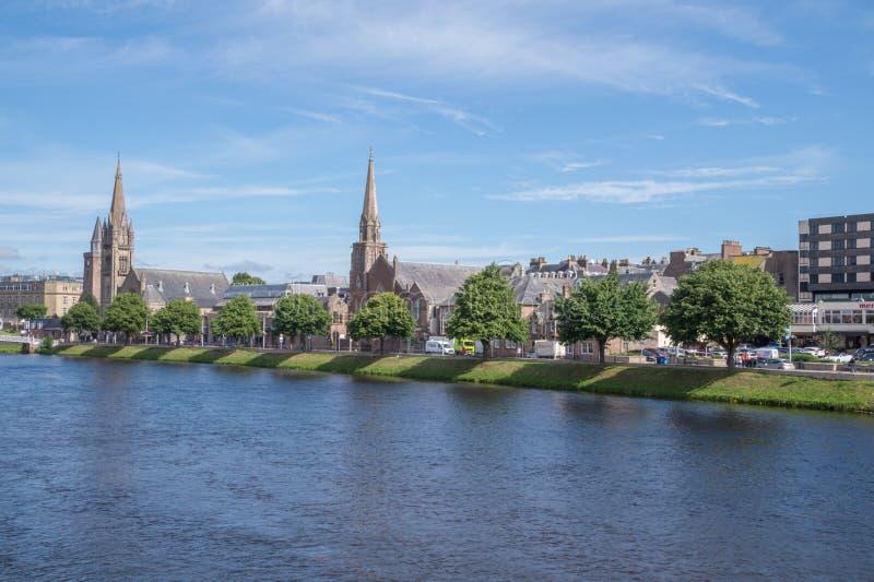 Mening van Rivier Ness en Inverness, Schotland royalty-vrije stock foto