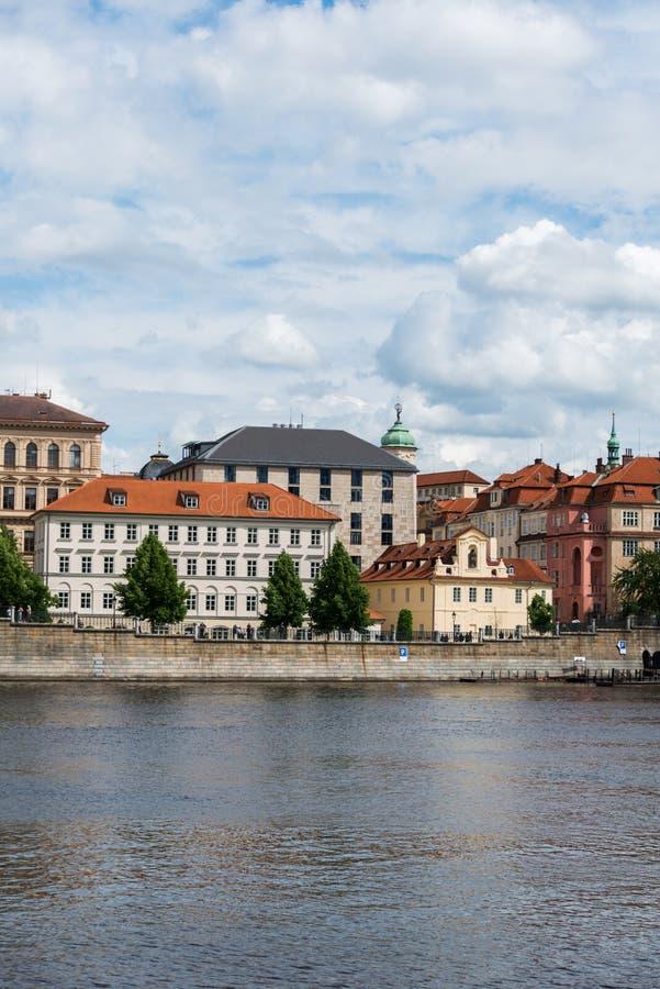 Mening van rivier Vltava royalty-vrije stock afbeelding