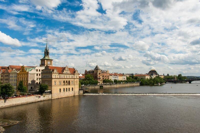 Mening van rivier Vltava stock foto