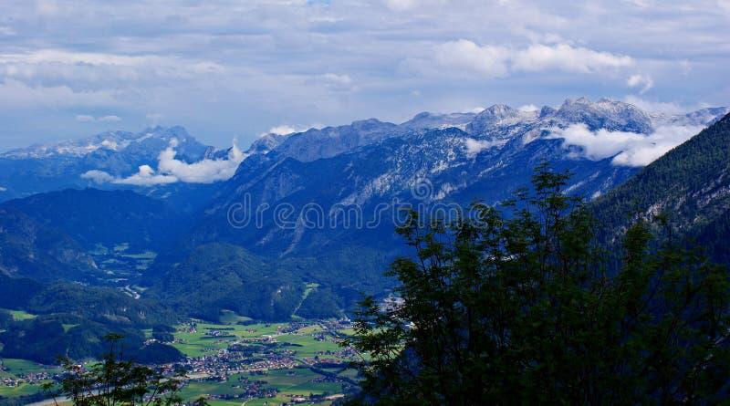 Mening van \ RoÃfeldstraÃe \ aan Oostenrijk royalty-vrije stock fotografie