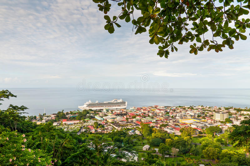 Mening van Roseau, hoofdstad van Dominica stock afbeeldingen